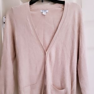 Classic light brown sweater with 2 front pockets